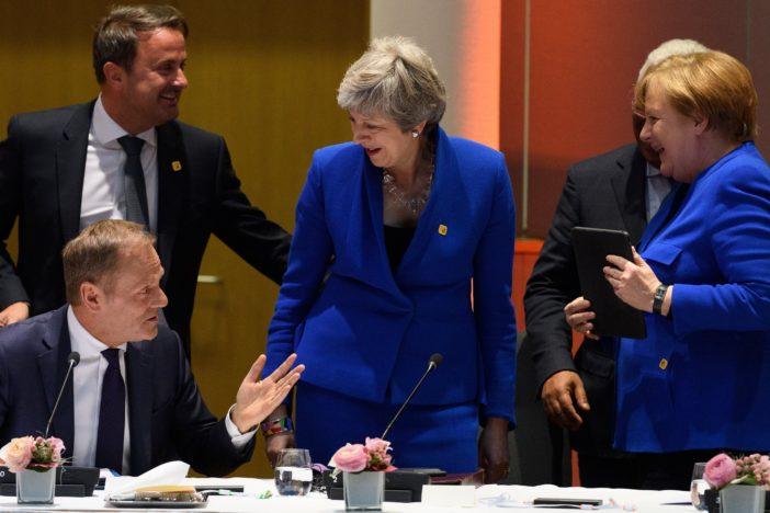 brexit kilépés theresa may eu tusk