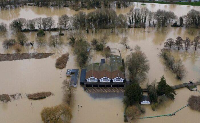 A Bella vihar elérte Nagy-Britanniát: több, mint 1000 embert kellett evakuálni életveszélyes körülmények miatt 1
