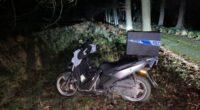 Óriási: a rendőrök vitték ki a rendelést, miután a motoros futárra út közben rázuhant egy hatalmas faág Angliában 2