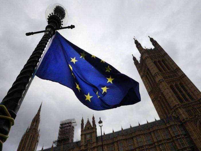 Hatalmasat zuhant a bevándorlás Angliában: rengetegen költöznek az EU állampolgárok (friss adatok) 2