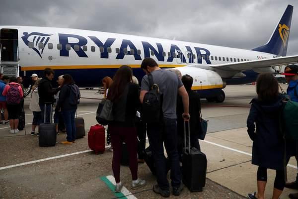 Teljesen kiakadt mindenki a Ryanairre a november 1-től érvényes új szabályok miatt 1