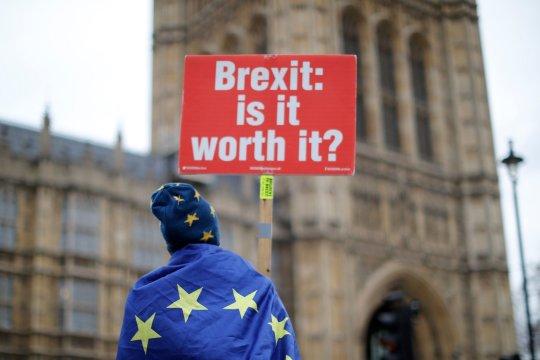 Ennyibe került eddig minden Nagy-Britanniában dolgozónak a Brexit, már most isszuk a levét 2