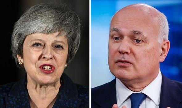 """""""Theresa Maynek le kell mondania, különben a képviselői fogják eltávolítani"""" 1"""