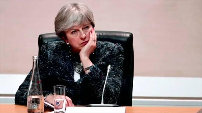 """Vereséget szenvedett Theresa May: Az EU azt mondta ma, """"egy dobása van"""" 2"""