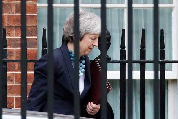 Hatalmas a felháborodás, miután a brit miniszterelnök váratlanul kihátrált a mai Brexit szavazásból 1