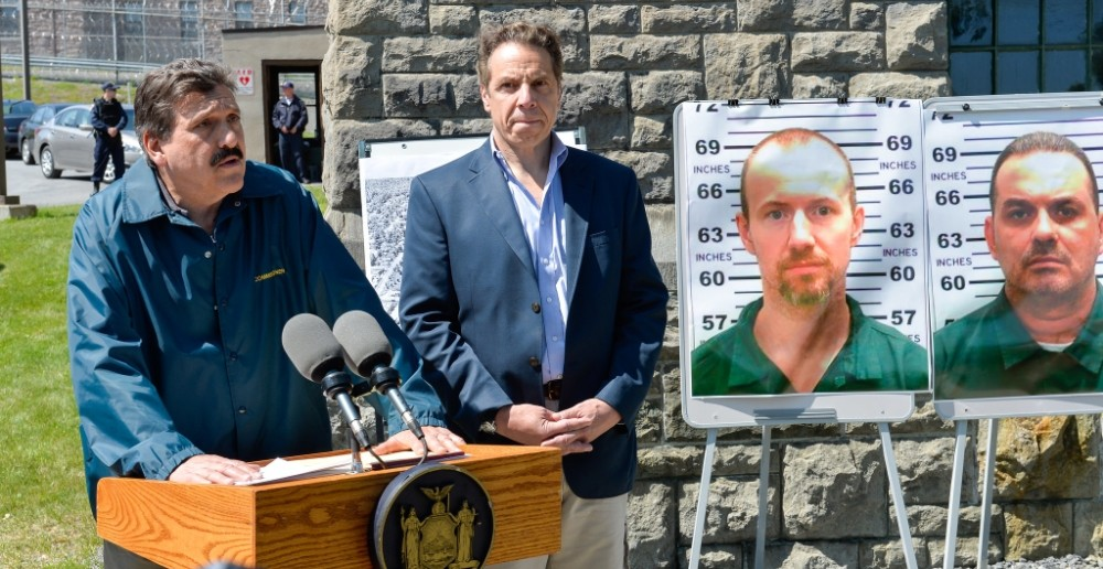 two-murderers-escape-new-york-prison-leave-have-a-nice-day-note-for-authorities-body-image-1433691085
