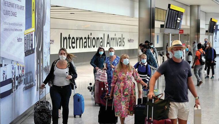 """Hétfőtől újabb enyhítés következik, és rengeteg ország lekerül az utazási """"vörös listáról"""" Nagy-Britanniában 1"""