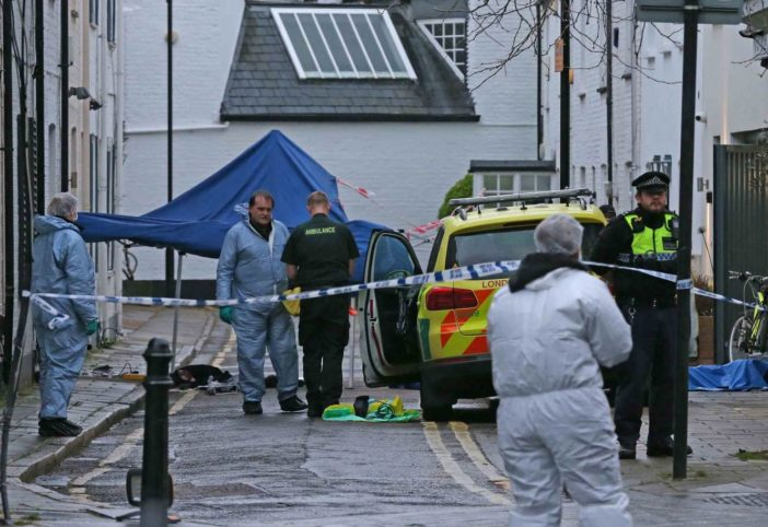 Újabb 2 fiatalt késeltek meg a nyílt utcán Londonban: az egyiket otthonától kergették a metróig 1