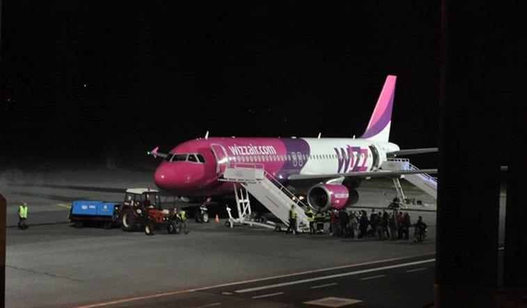 6 órás késéssel értek haza a magyarok a londoni wizz air járattal: az egyik utas mesél 1